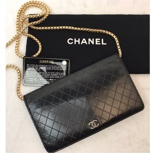 AUTHENTICATED CHANEL BI-FOLD QUILTEDCC LOGOWALLET
